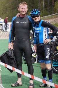 Jacek i Dawid, w tle rowery